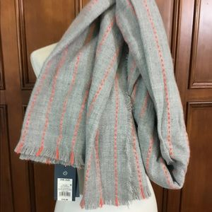Universal Threads Scarf Oblong Gray With Orange Th